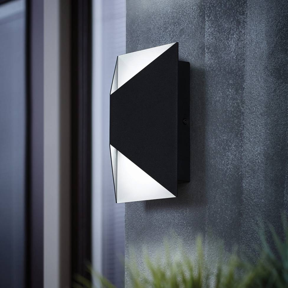 Tria Integrated LED Outdoor Tria